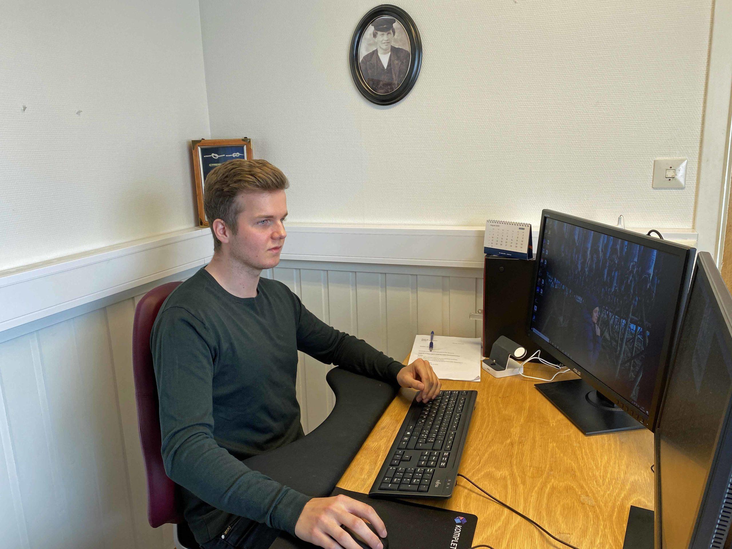 Fredrik Greger jobber i familiebedriften John Greger AS på Røst.